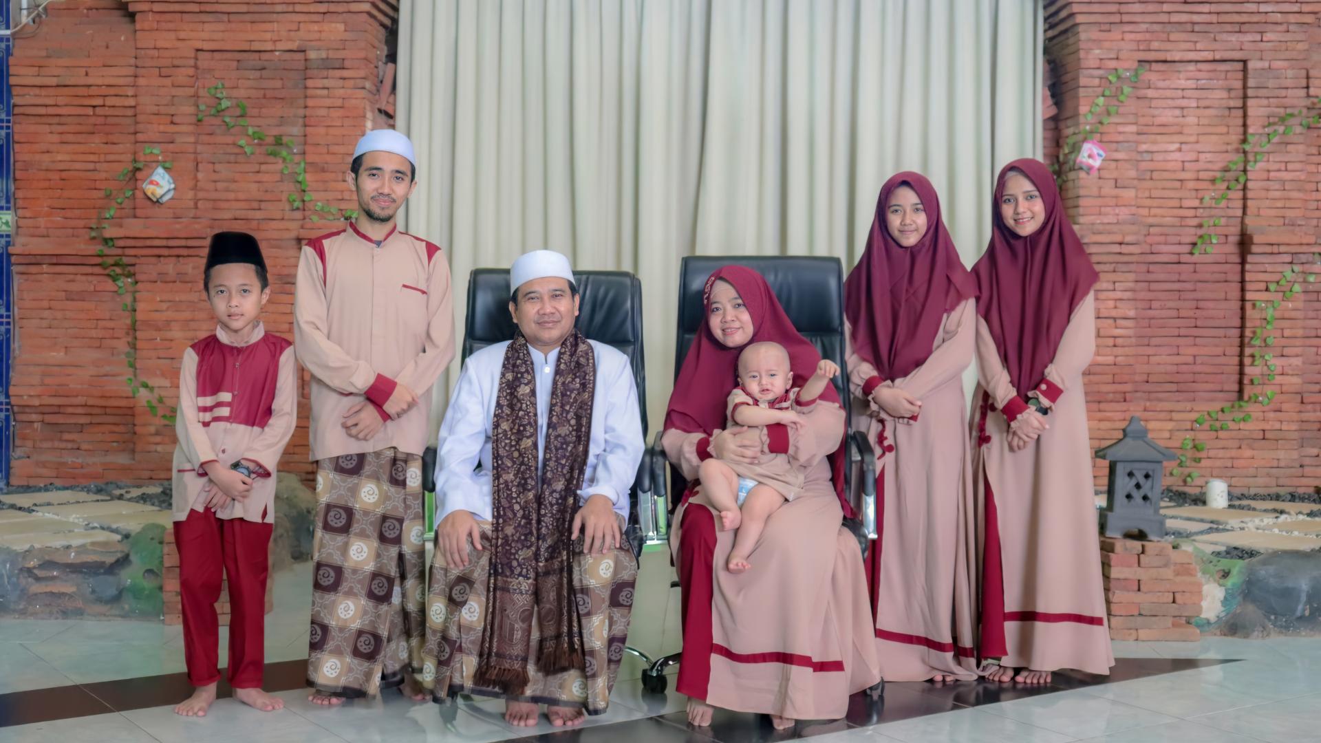 Keluarga Pengasuh Pondok PEsantren Darul Falah Amtsilati